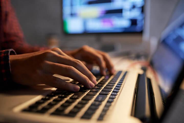 Web-Developer Backend beim Programmieren